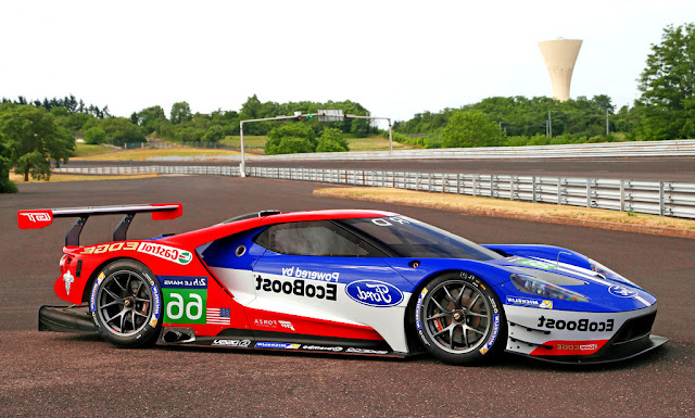 2016 Ford GT Le Mans Race Car Side Wallpaper