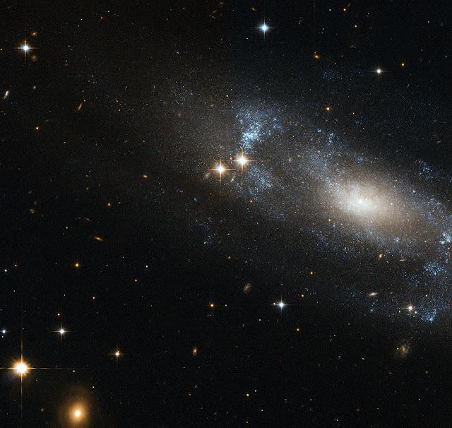 Galáxia ESO 499-G37 está a 59 milhões de anos-luz do nosso sol