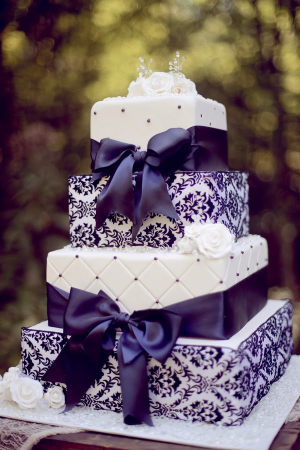 Images Of Purple Wedding Cake : The Other Side - The Frosted Petticoat