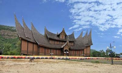 istana basa pagaruyuang