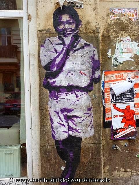 berlin, streetart, graffiti, kunst, stadt, artist, strassenkunst, murale, werk, kunstler, art, Tona