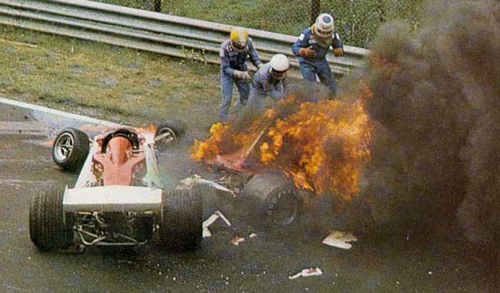 Bucks And Corn Niki Lauda S Crash To Be Relived