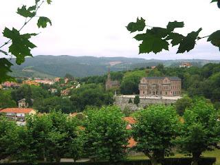 Vistas del Palacio de Sobrellano desde la Universidad de Comillas