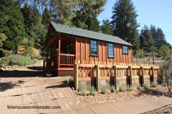 Casa pequeña de madera prefabricada en Estados Unidos
