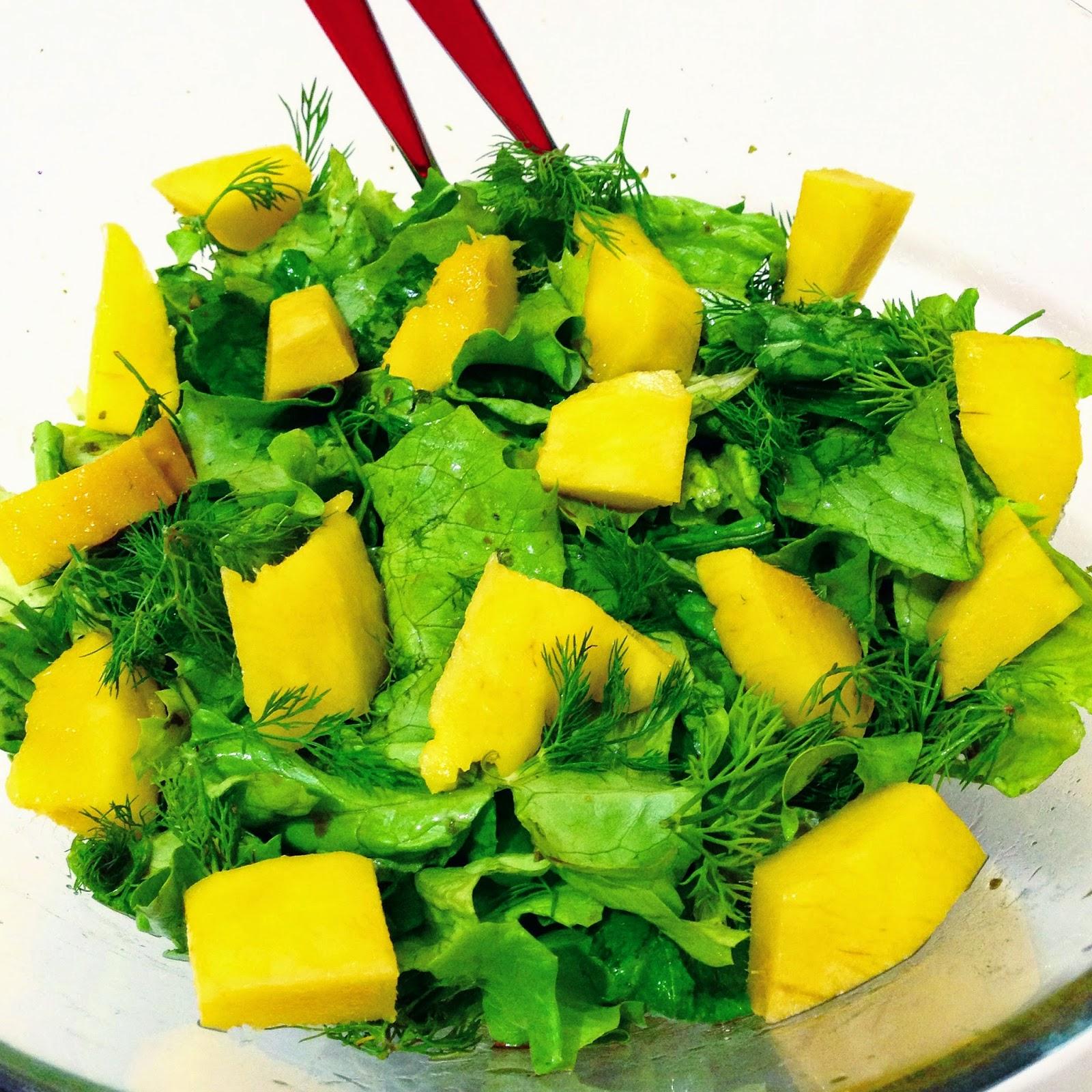 Mangolu tavuk salatası tarifi