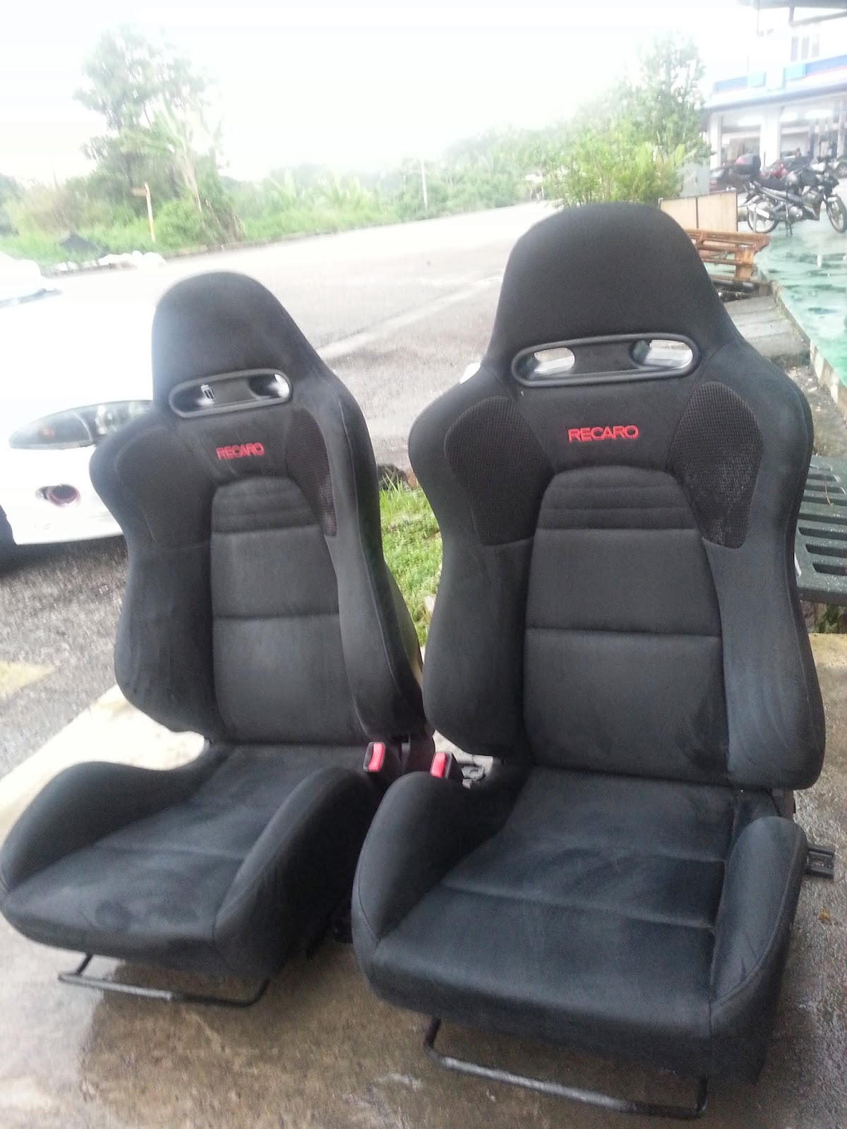 dingz garage seat recaro lancer evo 9 mr complete. Black Bedroom Furniture Sets. Home Design Ideas