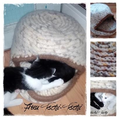 Frau Tschi-Tschi: Katzenhöhle häkeln und verfilzen - Anleitung kostenlos