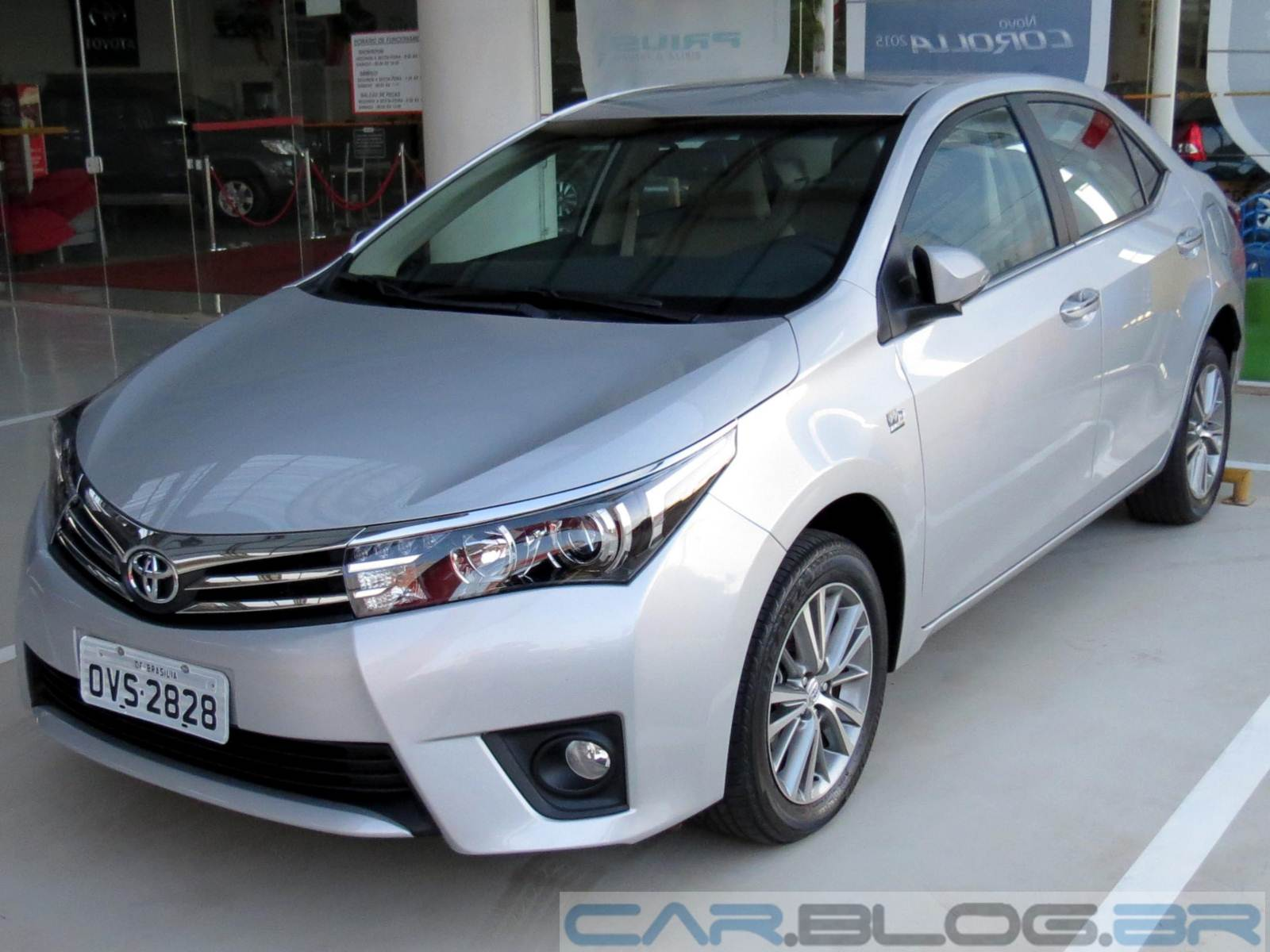 toyota corolla altis 2015 autos weblog. Black Bedroom Furniture Sets. Home Design Ideas