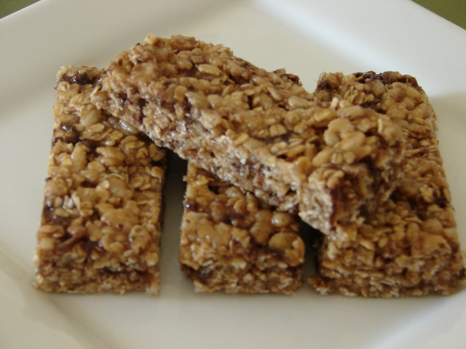 The Royal Cook: Chewy Chocolate Chip Granola Bars