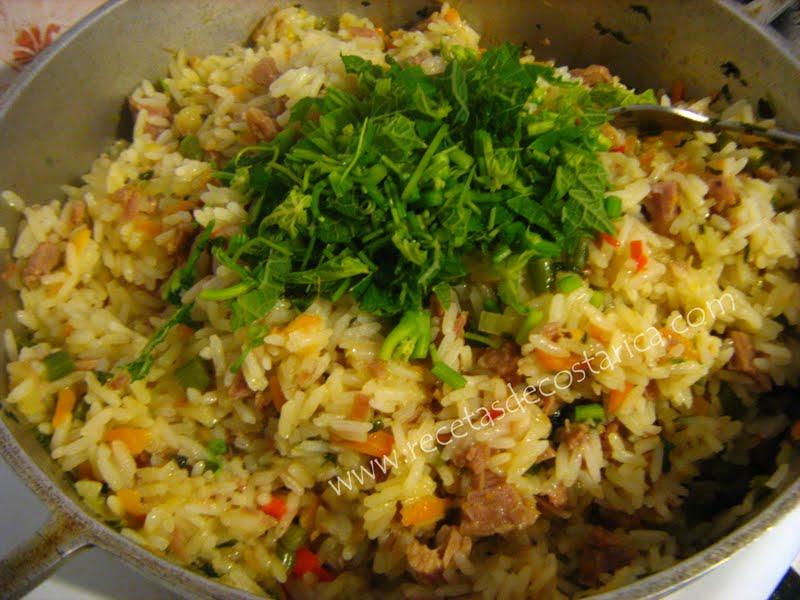 Cocina costarricense arroz con carne y quelites - Que cocinar con carne picada ...