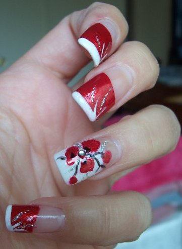 Aimees Picks For The Most Fashionable Nail Art Red White Nail Art