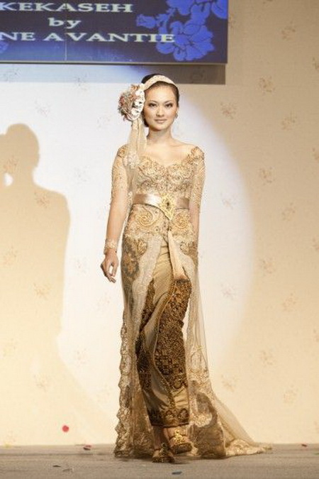Kebaya Pengantin Modifikasi Anne Avantie Fashionshow 3