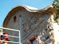 Detall de la façana posterior de l'ermita de Sant Antoni