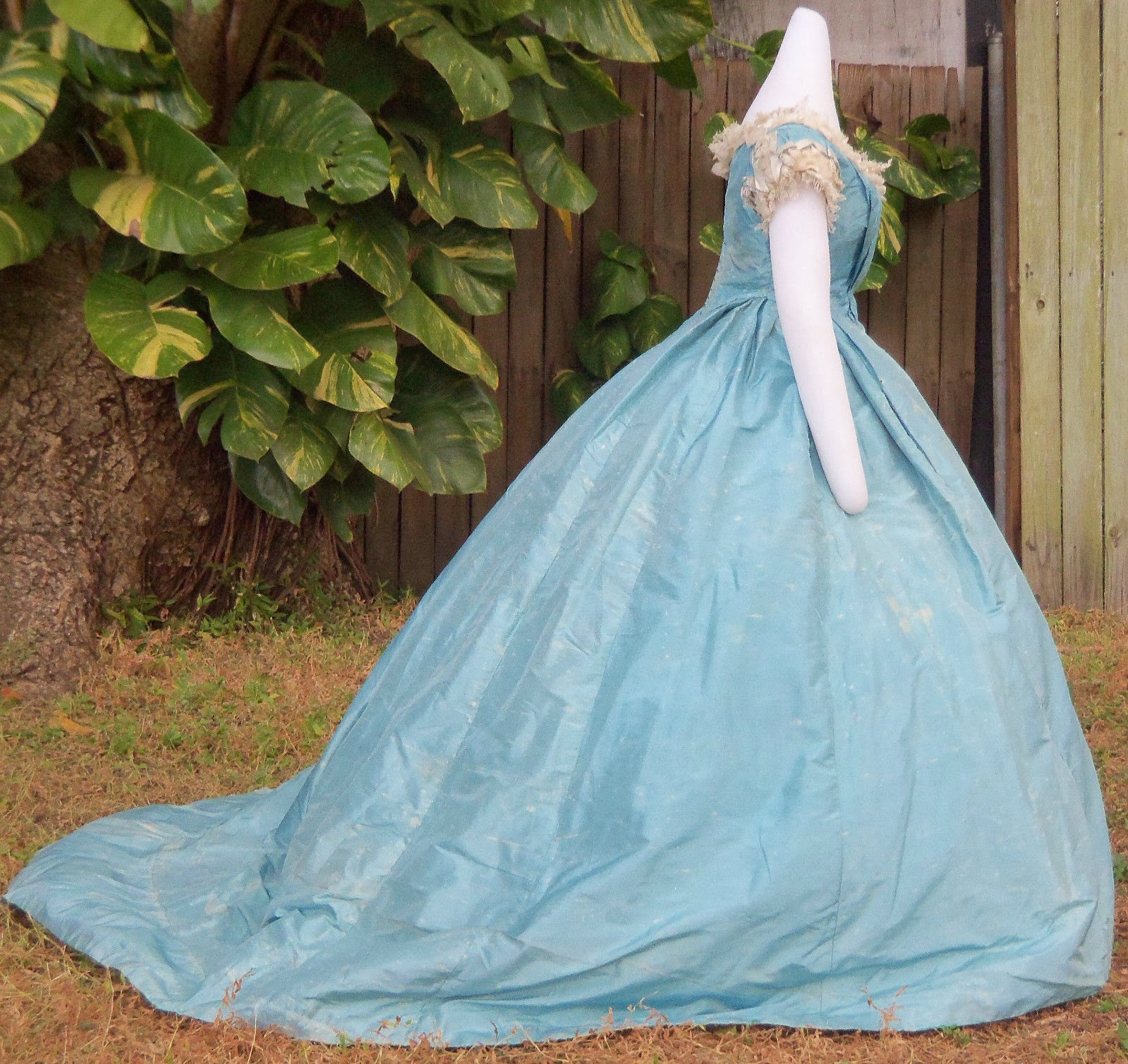 All The Pretty Dresses: American Civil War Era Ball Gown in Robin\'s ...