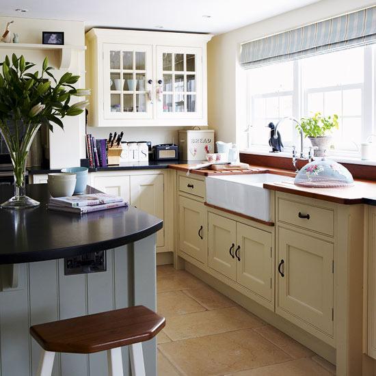 Cottage Kitchen Sinks: New Home Interior Design: Take A Tour Around A Period