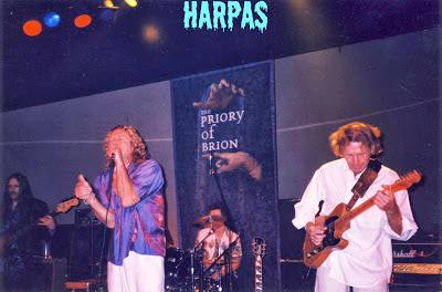 Τον  χειμώνα του 2000 η Θεσσαλονίκη υποδέχθηκε  τον Robert  Plant  :
