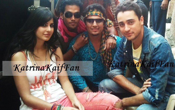 Katrina Kaif On Set of Movie1 - Katrina Kaif on sets of her movies - Real Life Pics