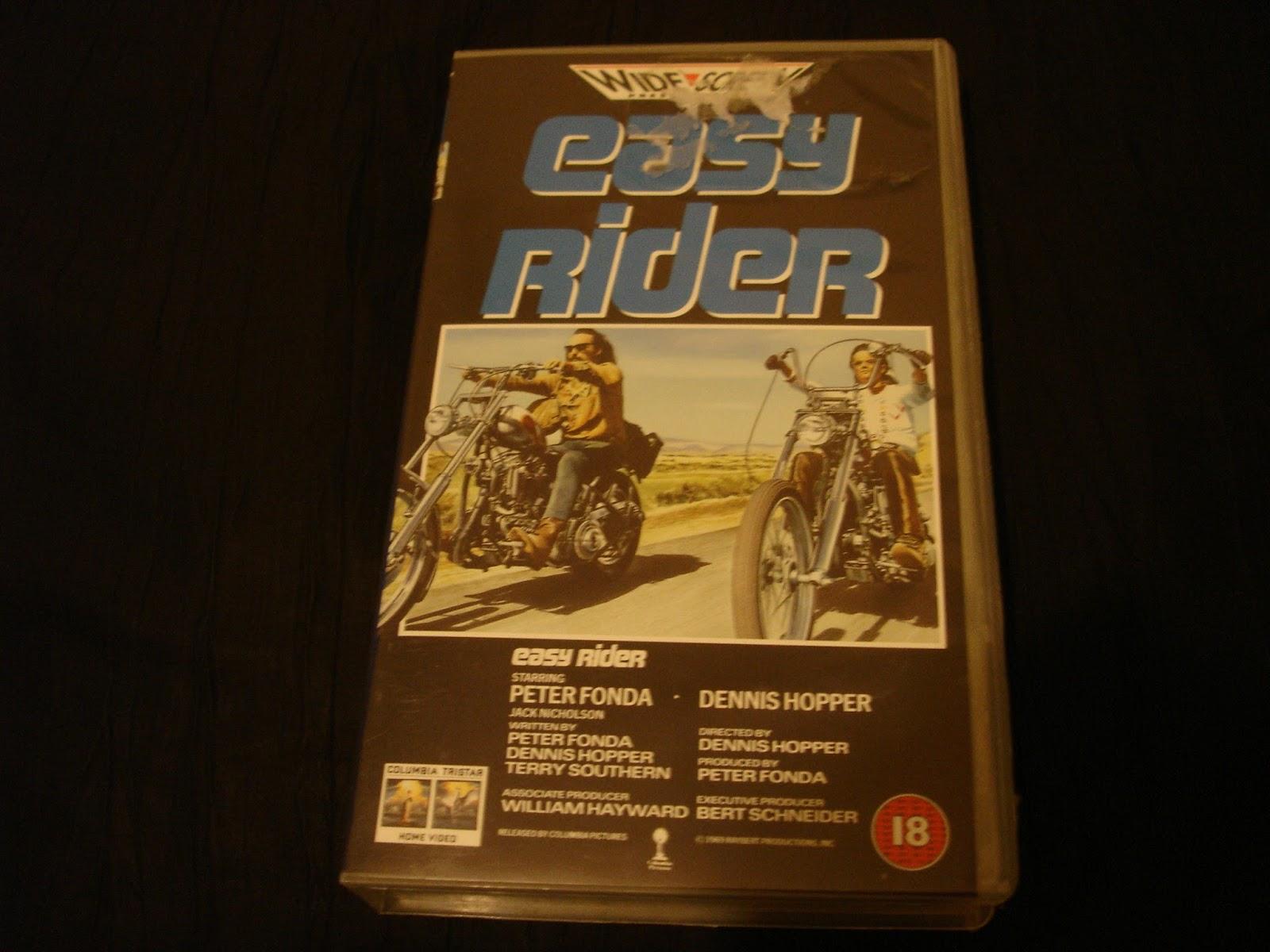 the symbolism in the film easy rider by dennis hopper Dennis hopper was the biggest name in the film, having starred in easy rider  symbolism is used heavily in blue velvet  tie): dennis hopper – blue velvet.