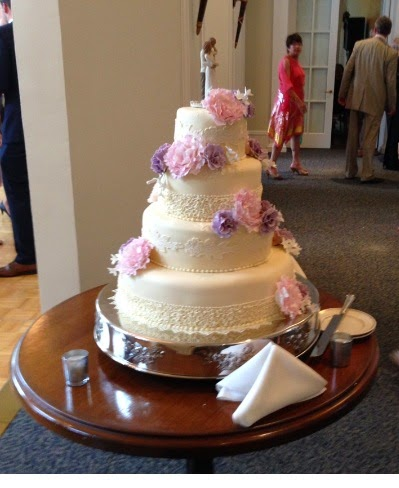 Can You Freeze A Frosted Wedding Cake