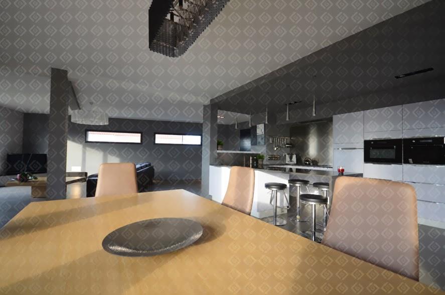 rive gauche r novation agencement int rieur d 39 une villa genas. Black Bedroom Furniture Sets. Home Design Ideas