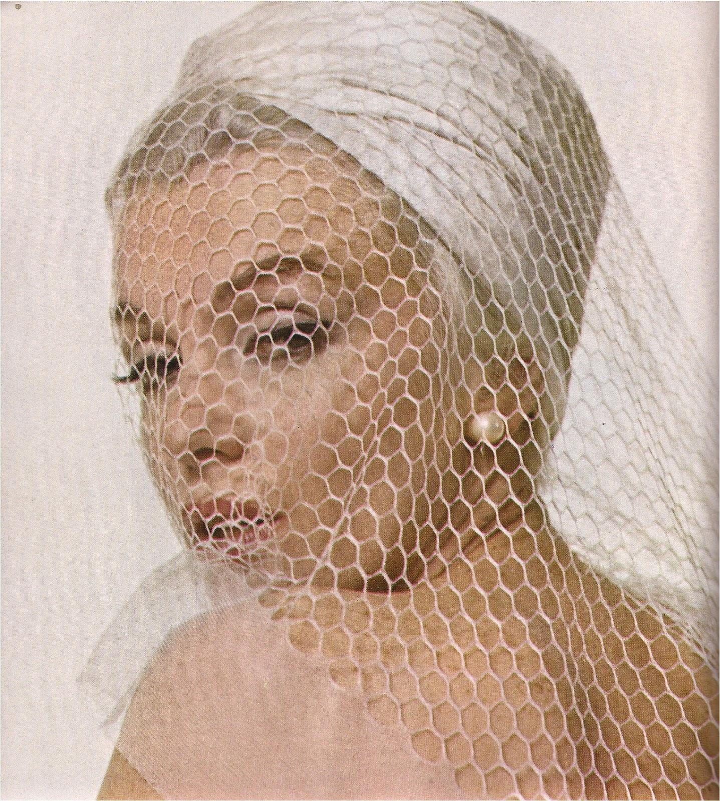 http://3.bp.blogspot.com/-WFmR7J9qGwA/T670TuTe6MI/AAAAAAAAGNQ/ngtgqflCEVk/s1600/Marilyn+Monroe+Show+Magazine+9%253A72-5.jpg