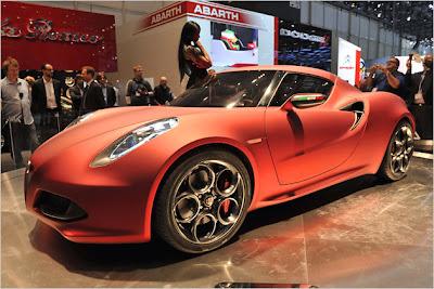 Alfa-Romeo-4C-Concept-Live