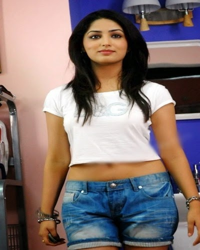 yami goutam hot photo gallery