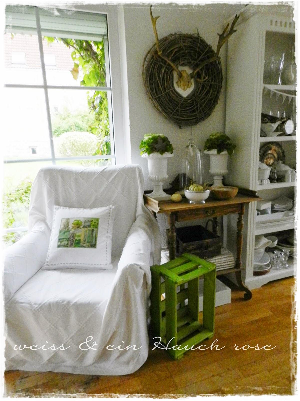 weiß & ein Hauch rosé: Mein grünes Wohnzimmer...