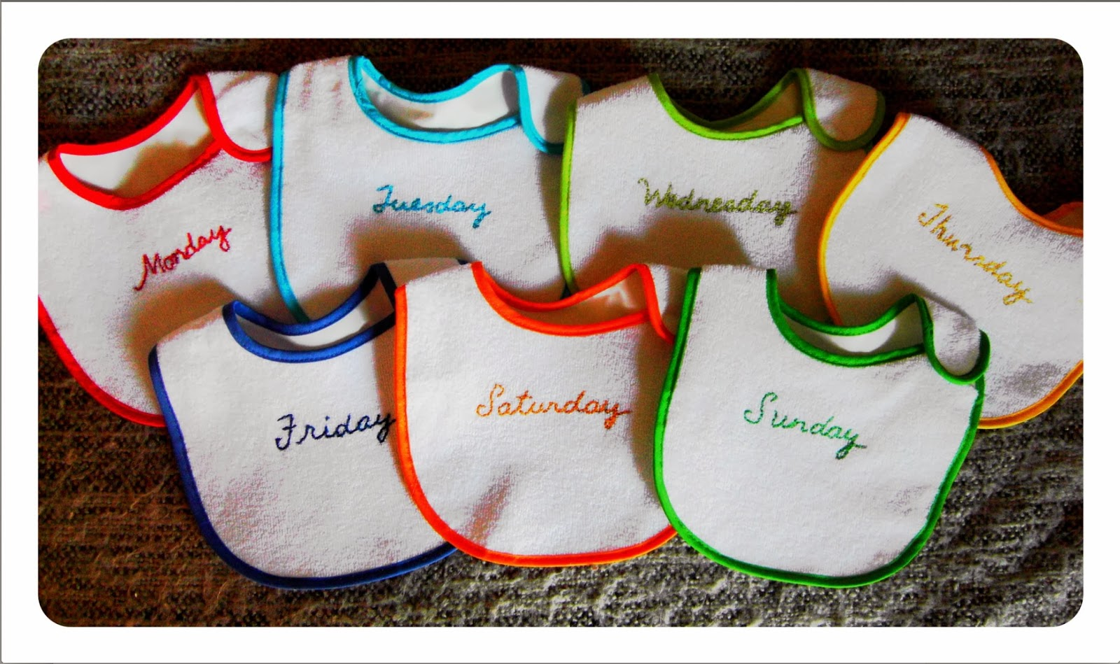 mamasVIB | V. I. BABY: A bib a day! DIY Days of the Week bibs for babies, | mamasvib| weaning and food | baby style| basics | bibs | days of the week