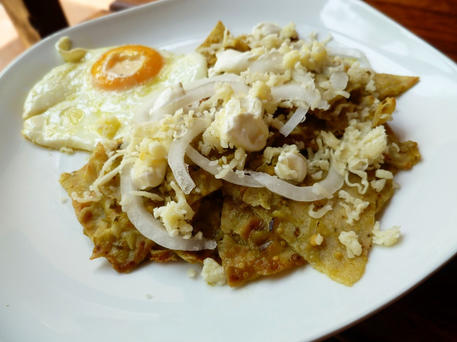 chilaquiles rojos chilaquiles with fried eggs chilaquiles with ...