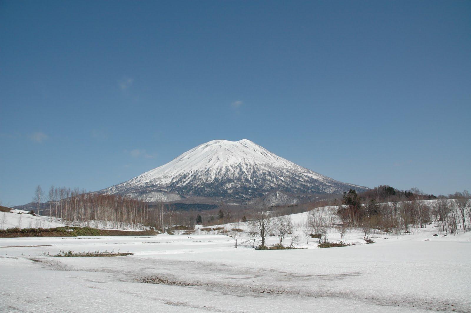 Mt_Youtei_Hokkaido_Japan.jpg