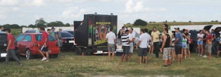Domingo foi dia de pancadão em Limoeiro com o 1º Campeonato de som automotivo e carros rebaixados