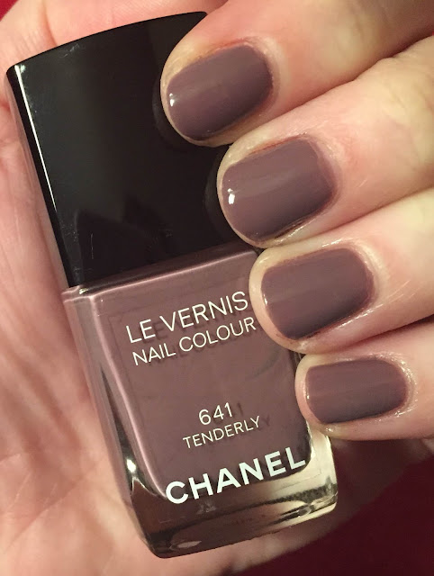 Chanel, Chanel Tenderly, Chanel Spring 2015 Reverie Parisienne Collection, nails, nail polish, nail lacquer, nail varnish, manicure, Mani Monday, #manimonday