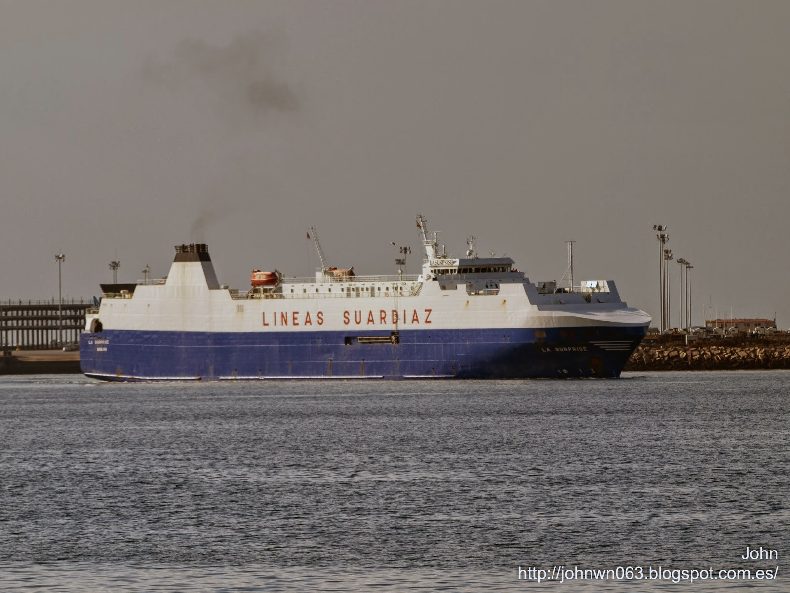 fotos de barcos, imagenes de barcos, la surprise, grupo suardiaz, car carrier, ro/ro, vigo