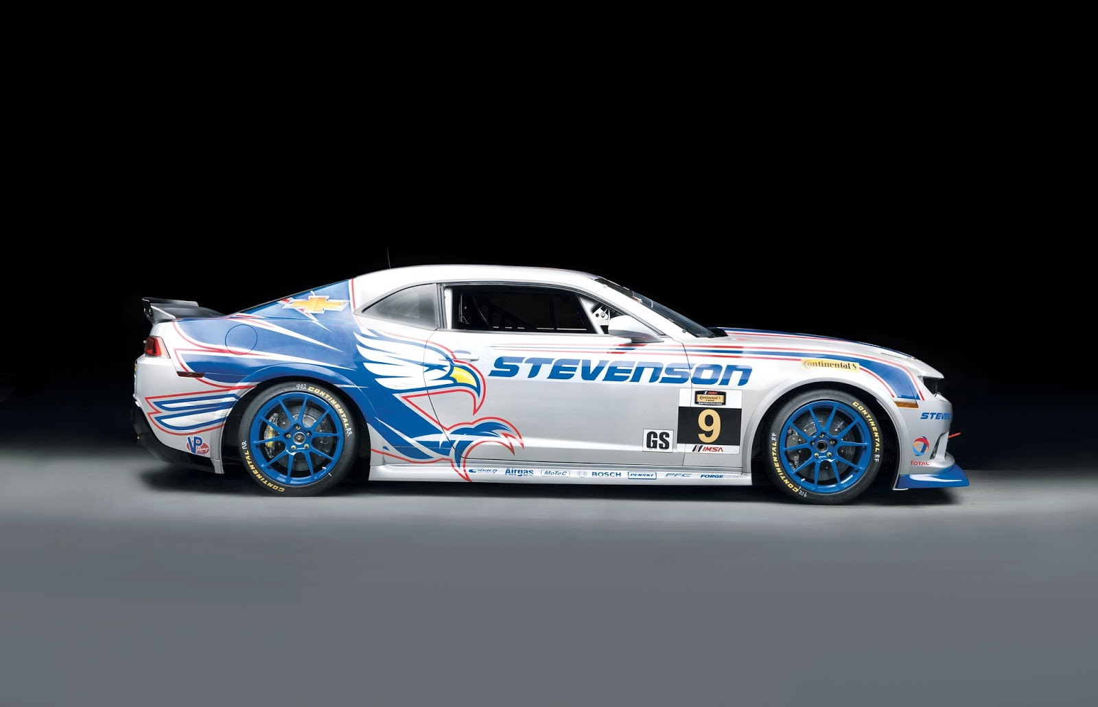 Chevrolet Camaro Z/28.R Racing Debut