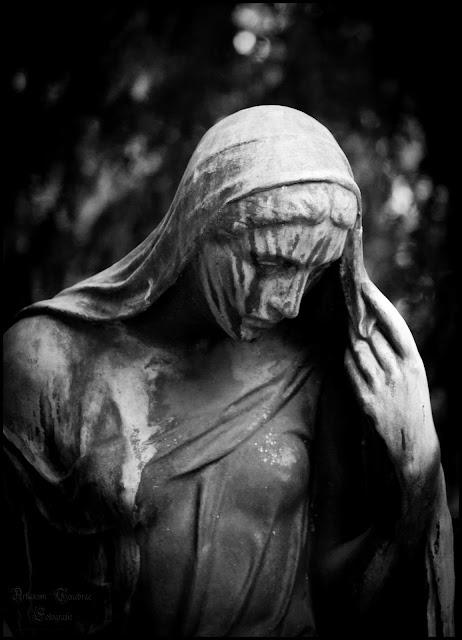 Eine Friedhofstatue