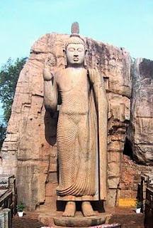 Awukana Buddha Statue