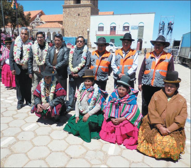 AUTORIDADES MUNICIPALES Y ORIGINARIAS DE CALAMARCA