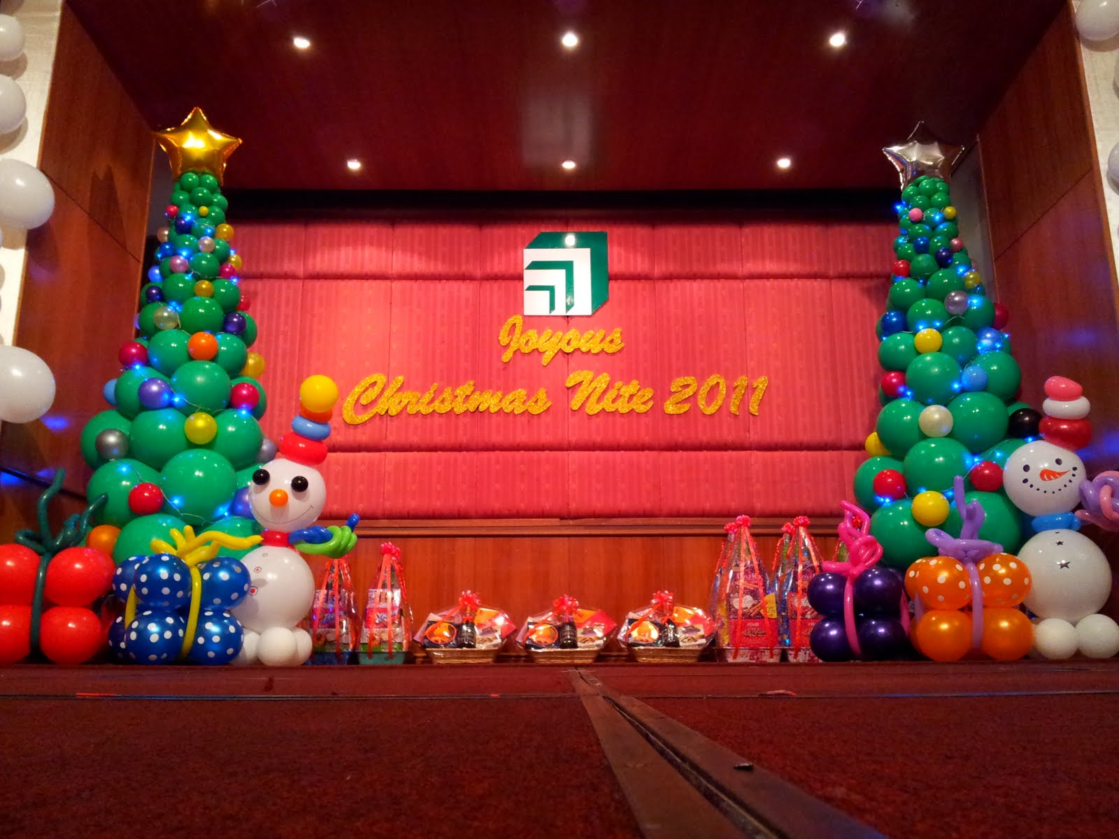 christmas party stage decorations photo3