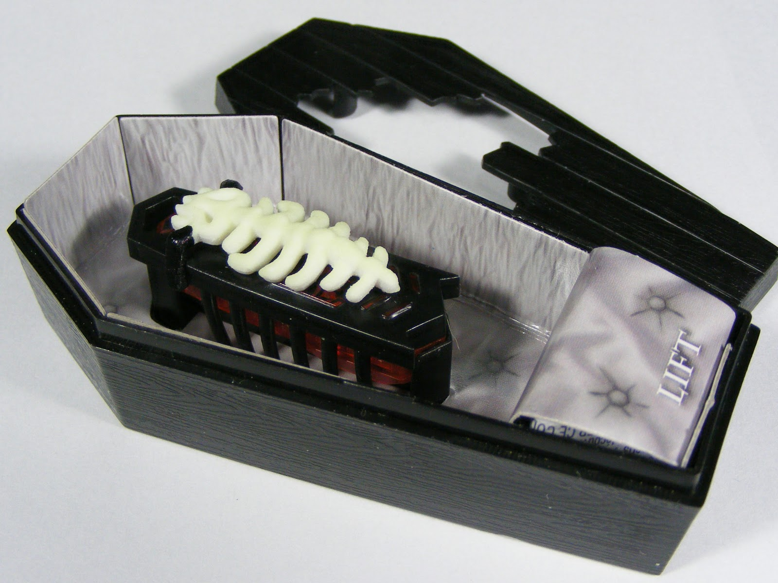 http://3.bp.blogspot.com/-WHiLUM6Lbv4/Tn3qUpssk5I/AAAAAAAABM8/hnNXaT1Y-Ik/s1600/coffin+4.jpg