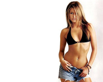 actress_holly_valance_hot_wallpapers_in_bikini_fun_hungama-forsweetangels.blogspot.com