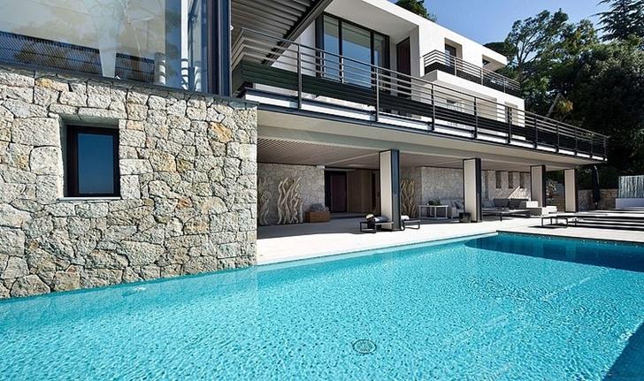 World of architecture modern bayview villa in c te d azur for Villa de luxe design