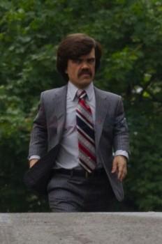 Peter Dinklage interpreta a Bolivar Trask, el creador de los centinelas