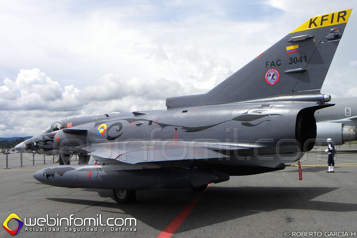 El Kfir de matrícula FAC3041 de la Fuerza Aérea Colombiana accidentado en Puerto Salgar.
