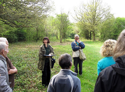 Jennie Randall addressing the group on her Jubilee Country Park history walk. 17 April 2011.