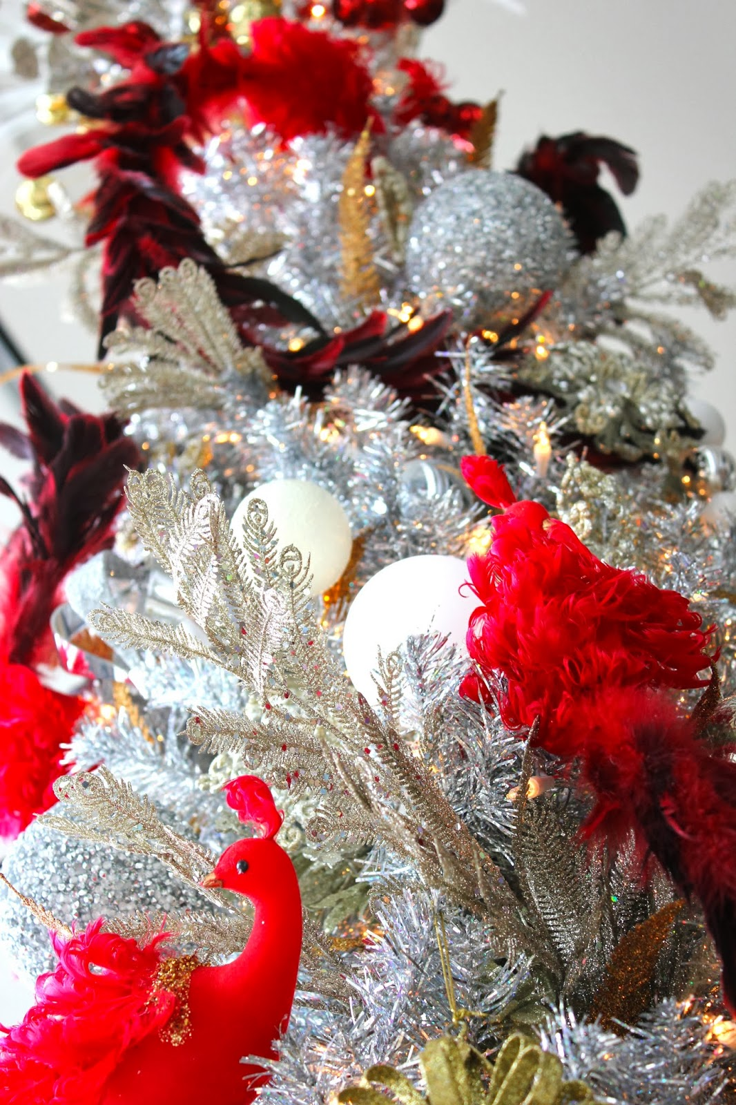 JoJo Herda: A Feathery and Silver Christmas Tree