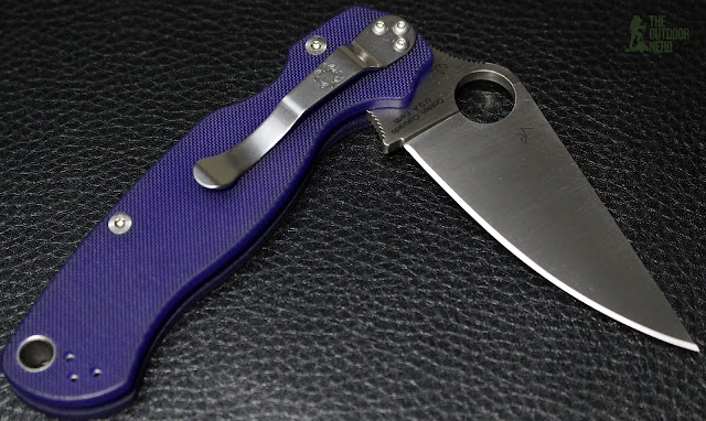 Spyderco Paramilitary 2 in S110V: Black Background 1