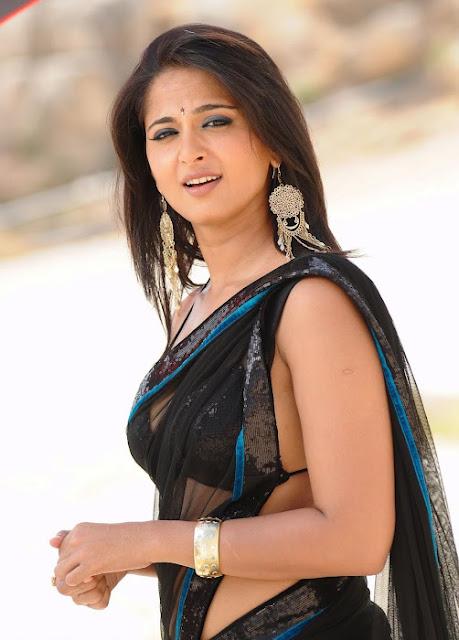 Anushka Shetty Spicy Stills In Black Saree 3