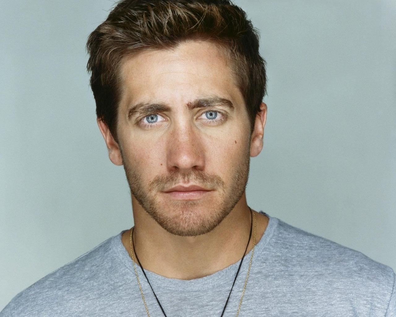 http://3.bp.blogspot.com/-WIK7-mPq5g8/UGNXBx3JwhI/AAAAAAAAA9I/hO0Hy3giCm4/s1600/Jake-Gyllenhaal-3.jpg