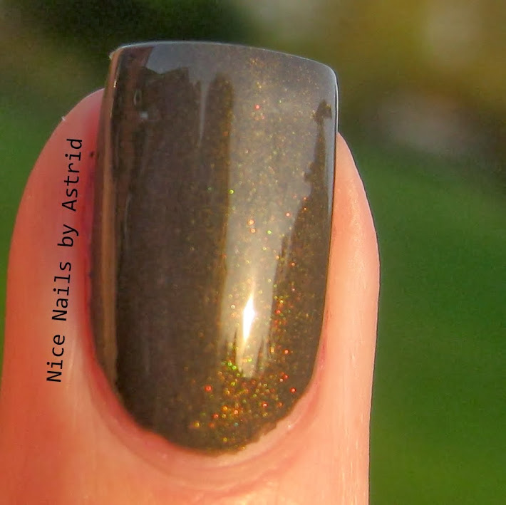 Swatch of Isadora, Loden Green - Nice Nails by Astrid